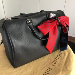 LOUIS VUITTON Black Epi Speedy sz30